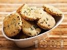 Рецепта Солени бисквити с пресен лук и сусам